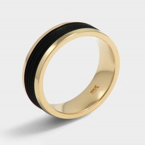 Ring classic model Dakar. Yellow gold plated. Width 7mm. Surface Polished