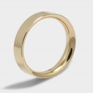 Ring classic model Praga. Yellow gold plated. Width 5mm. Surface Polished