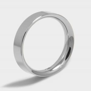 Ring classic model Praga. White, Platinum and Rhodium plated. Width 5mm. Surface Polished